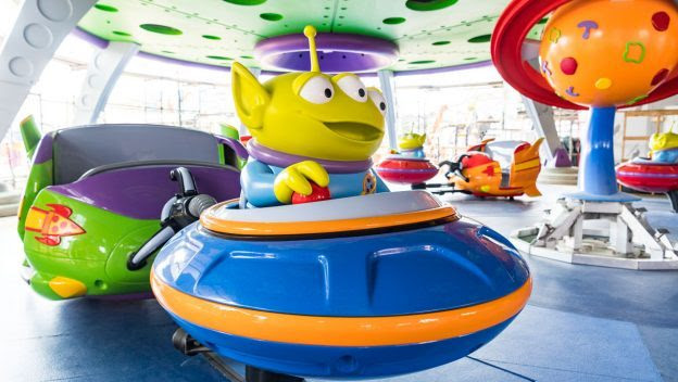Alien Swirling Saucers ©Disney