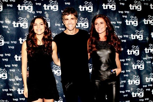 Taína Müller, Reynaldo Gianecchini e Giovanna Antonelli no Fashion Rio (Foto: Isac Luz / Ego)