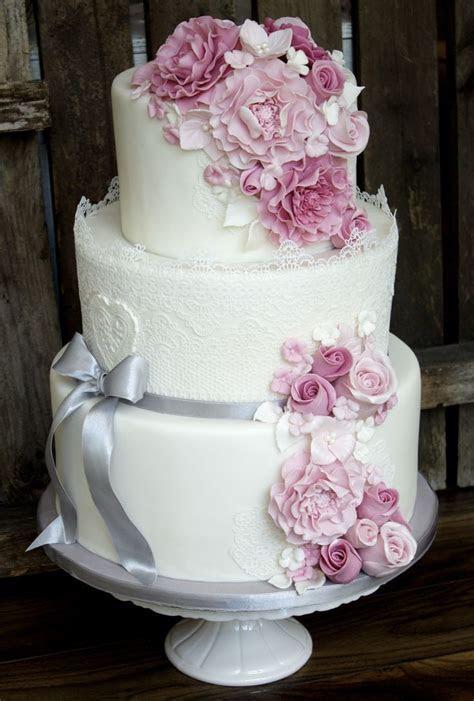 Weddingcake im Vintagestil von Tortenschön www