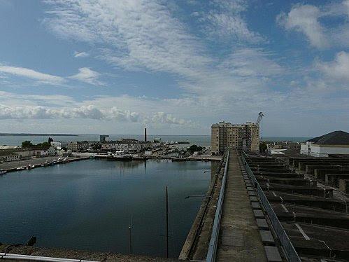 Bassin de St Nazaire vu de la terrasse de la base sous mar