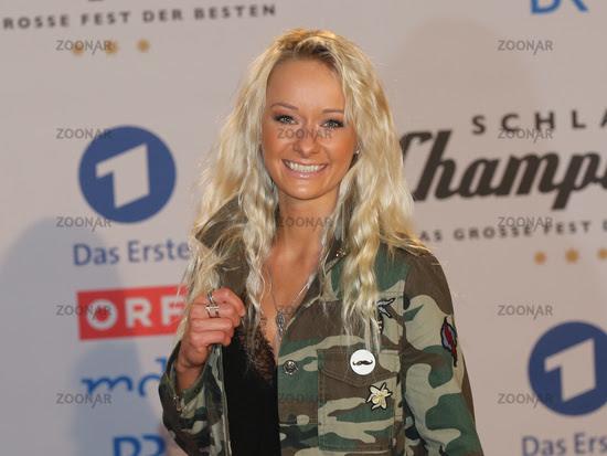 Foto Sängerin Christin Stark Auf Dem Roten Teppich Zur Sendung