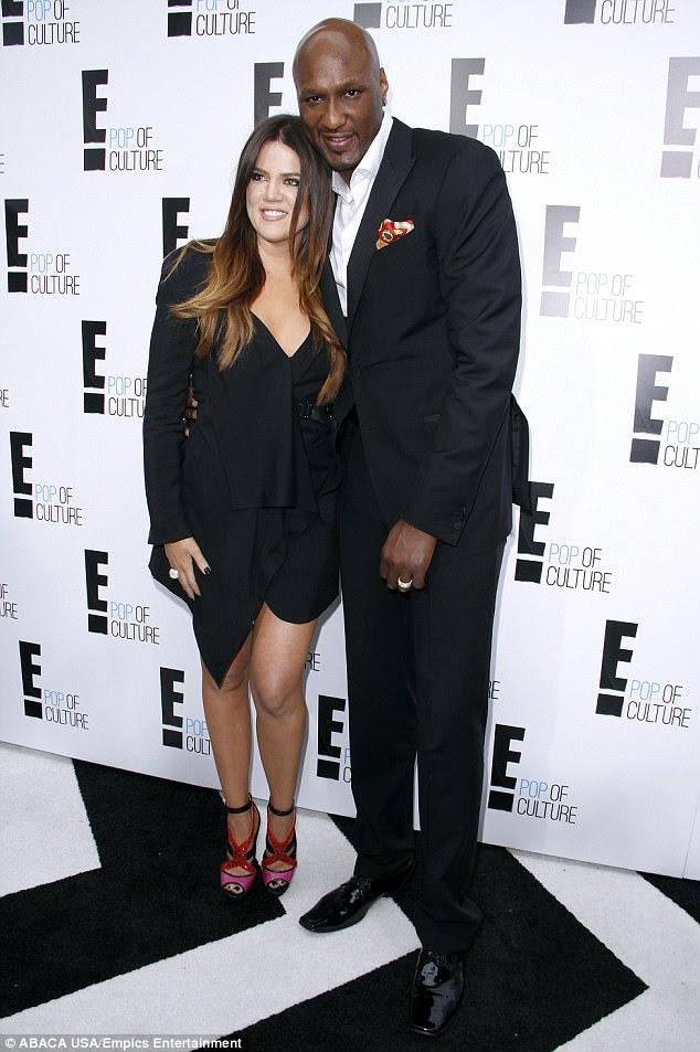 """""""Ela desempenhou um papel importante"""": A ex-estrela da NBA estava espantada, mas """"aliviada"""" de ver Khloé ao seu lado no hospital e créditos de seu apoio para puxá-lo para trás da beira;  Retratado em abril de 2012"""