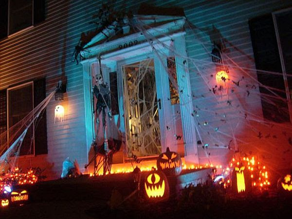 13 Halloween Front Yard Decoration Ideas