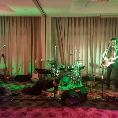 Sneaky Treacle   Vows Award Winning Wedding & Function Band