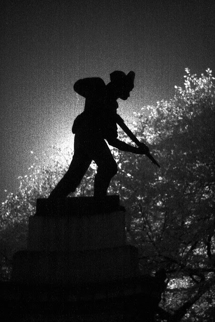 soldier monument, lownsdale square (infrared)
