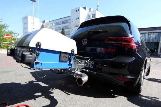 Test de la nouvelle technologie diesel conçue par Bosch, à Stuttgart, le 17 avril.