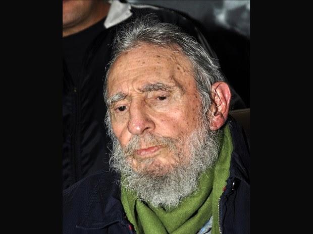 Site oficial cubano ww.cubadebate.cu divulgou imagens do ex-presidente Fidel Castro  na inauguração de um centro cultural em Havana. (Foto: Estudios Revolución/AFP)