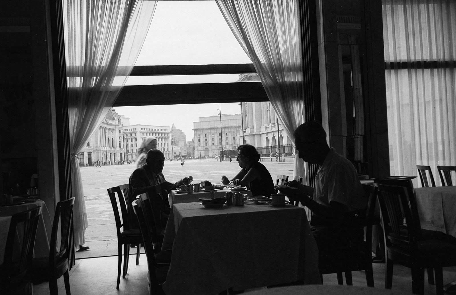 1956 restaurant athenee palace 02