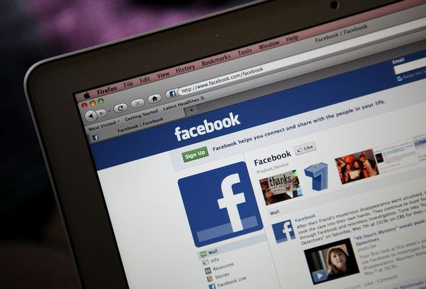 """The Facebook """"following me"""" HOAX scaring people"""