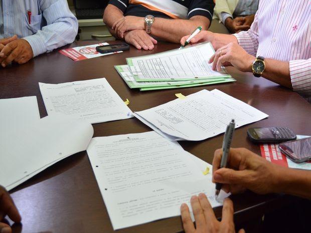 SSP e Sindicato dos Taxistas firmam acordo de segurança (Foto: Marina Fontenele/G1)