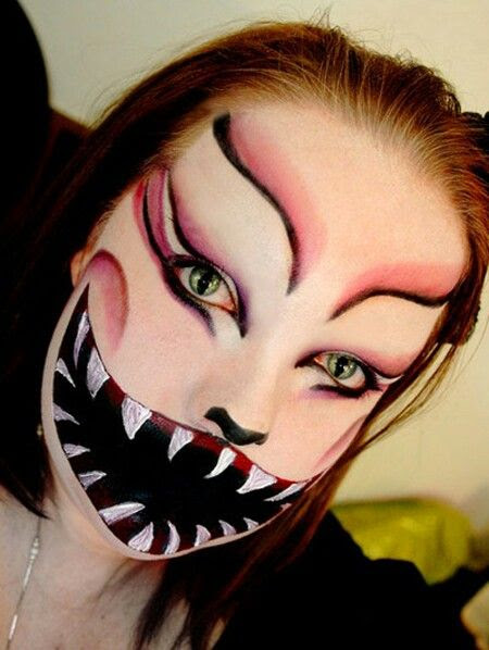 Weird but cool face paint #Halloween Face Painting - Cool Halloween Face Paint