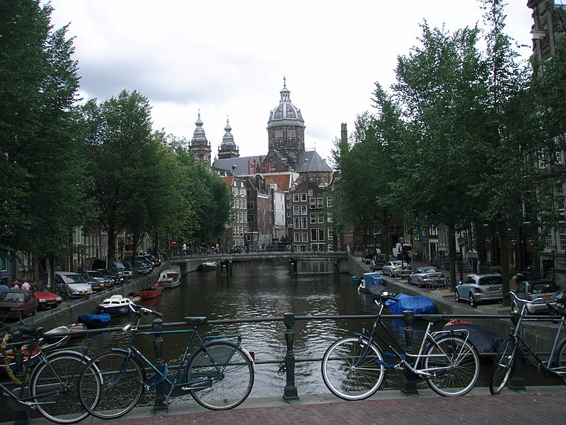 File:Amsterdam canals in summer.JPG