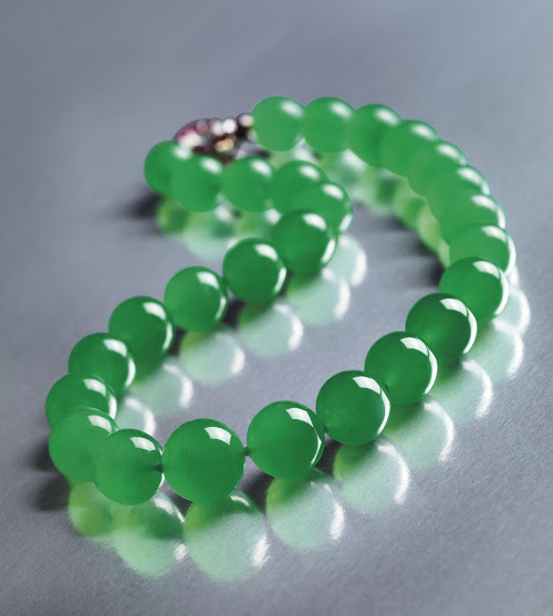Barbara Hutton jade necklace by Cartier