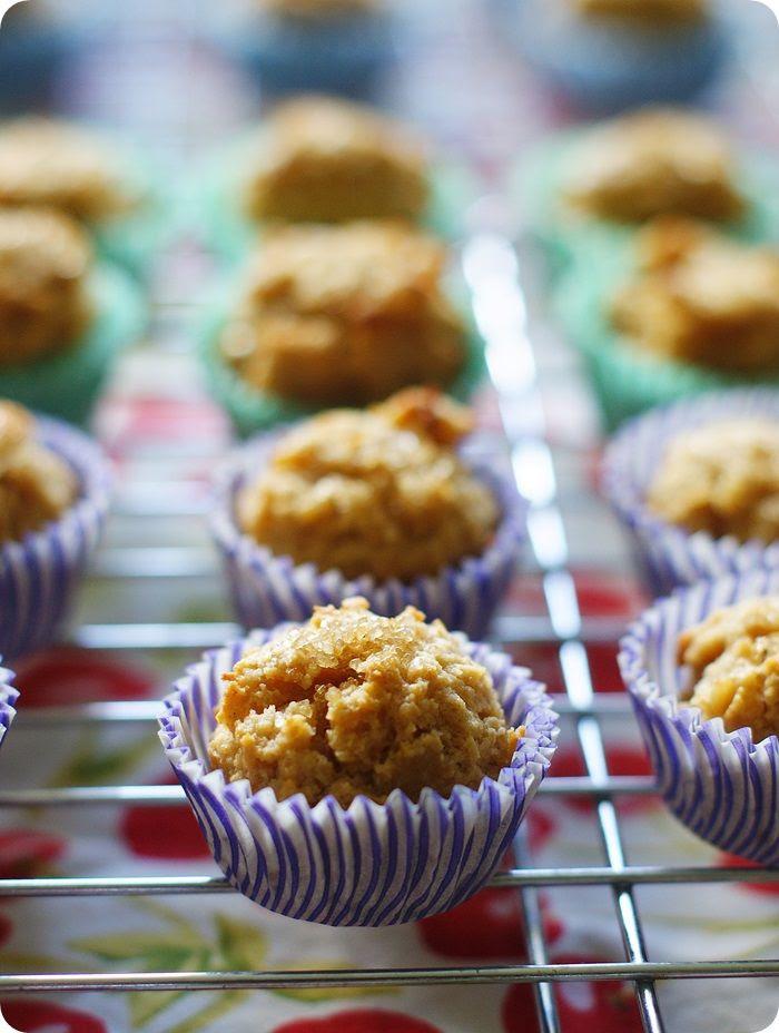 peanut butter oatmeal mini muffins ::: bake at 350 blog