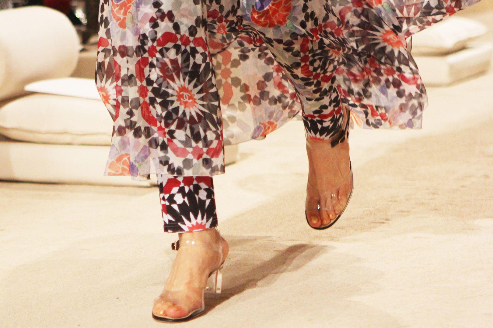 photo runwayshoes-chanelcruisedubai-silkscarfdress-dubai-beckerman-frontrow-beckermanblog-sisters.jpg