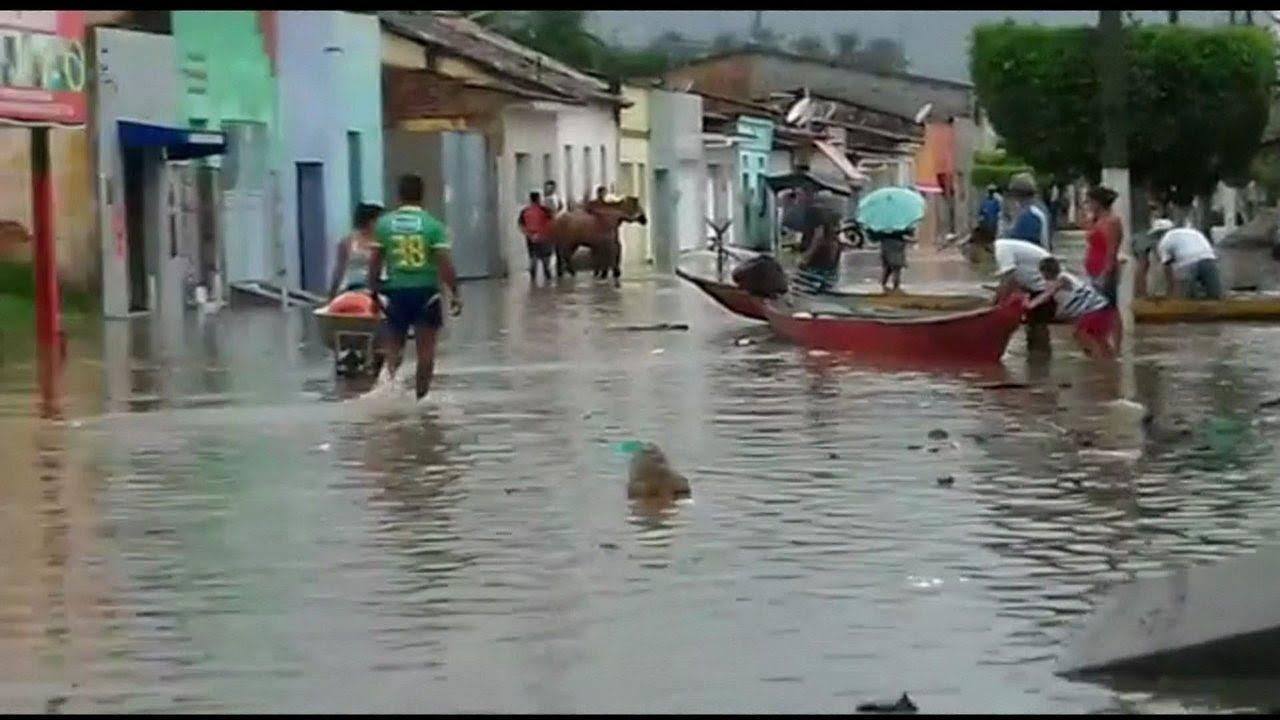 Resultado de imagem para Alagoas tem mais de 3 mil famílias desabrigadas pela chuva