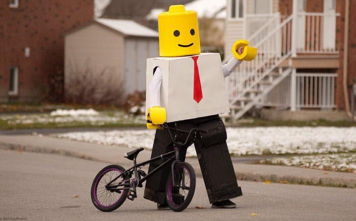 http://twistedsifter.com/wp-content/uploads/2010/11/lego-man-funny-halloween-costume.jpg