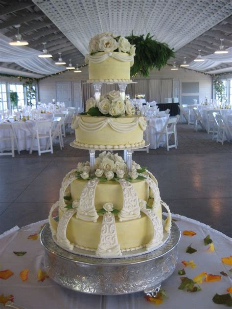 Wilton Style Wedding Cake   CakeCentral.com