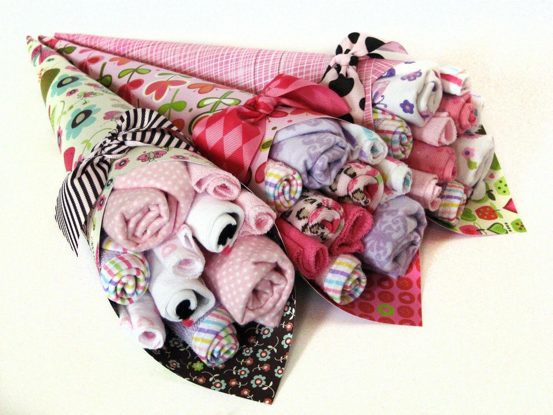 Baby shower gift - Bouquet of washcloths, socks, etc