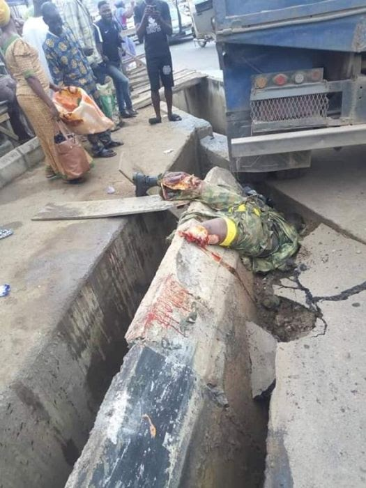 GRAPHIC PHOTOS:- Tipper Crushes Legs Of A Soldier Riding Motorcycle In Abeokuta (photos)