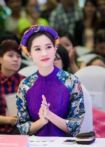 Hoa hau Dang Thu Thao dep me hon di lam giam khao-Hinh-6