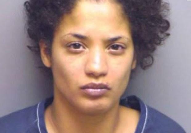 Em novembro, Raquel Gonzalez, de 24 anos, foi presa na Flórida ao agredir seu namorado após ter uma relação sexual em casa, alegando que apenas seu parceiro teria atingido o orgasmo. A briga teria iniciado quando o namorado, Esric Davis, de 30 anos, teria alcançado o clímax, e Gonzalez ainda não. (Foto: Divulgação)