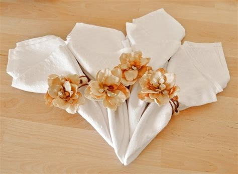Wedding Napkin Decorations   Wedding Dress & Decore Ideas