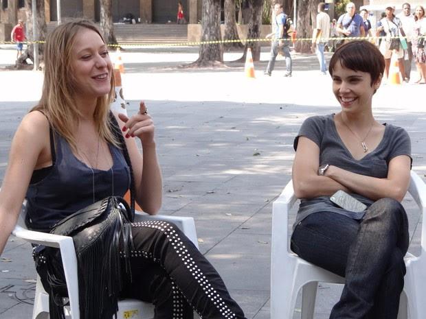 carol abras e débora falabella (Foto: avenidabrasil/tvglobo)