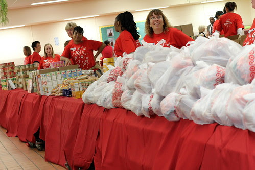 Burns Elementary & Target Meals for Minds