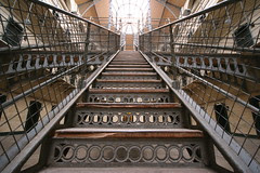 photo escalier fer ligne de fuite composition centrer sujet
