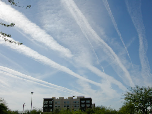 http://www.fourwinds10.net/resources/uploads/images/chemtrail%20over%20ny1316.jpg