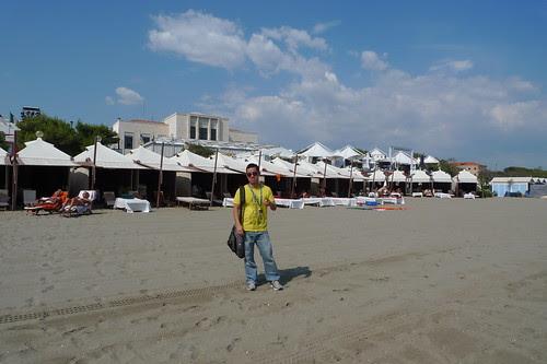 Ming Jin at the lido beach
