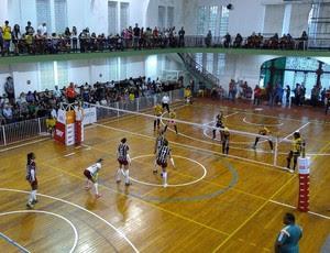 Fluminense e Sesi-SP se enfrentam pela Superliga feminina de vôlei (Foto: Gisa Alves)