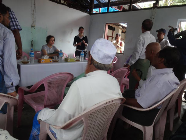 UN rapporteur on human rights in Burma Yanghee Lee meets with Muslim residents of Sittwe's Aung Mingalar ward on Tuesday. (Photo: Phoe Thiha / The Irrawaddy)