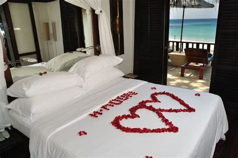 Honeymoon Bedroom Decorations Pictures   All about WEDDING
