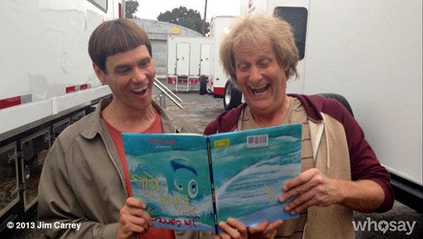 Jim Carrey and Jeff Daniels reprise their roles as Lloyd Christmas and Harry Dunne in DUMB & DUMBER TO.