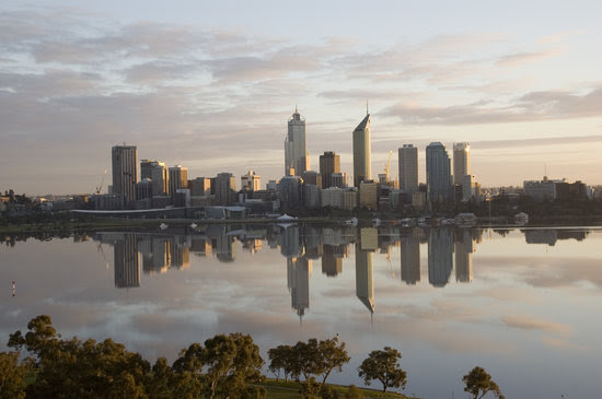 Down in Perth  by Israel G. Sanchez (25317433)