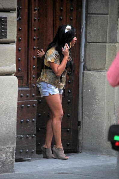 jersey shore girls in italy. Jersey Shore girls move in