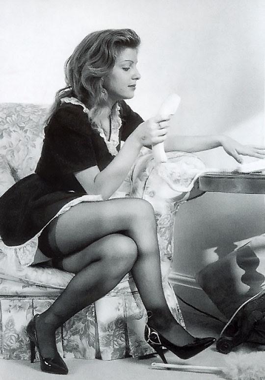 Ретро фотографии женщин в годах сидя в юбках разнообразные позы, лучший русский порно