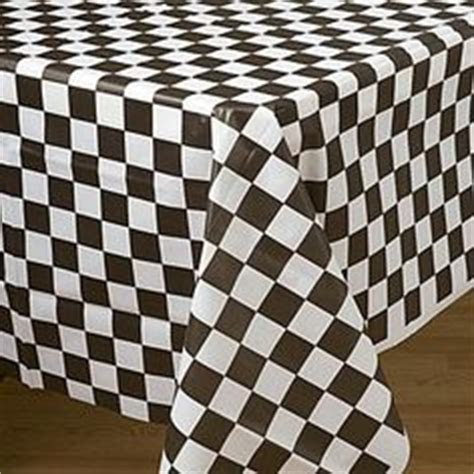Plastic Tablecloths: cheap, inexpensive round and