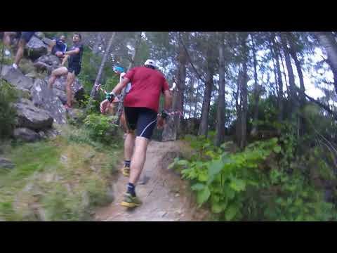 Correr descalzo en el trail subida a la Fuente del Paco