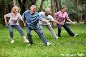 El Tai Chi Puede Reducir el Riesgo de Caídas en los Ancianos