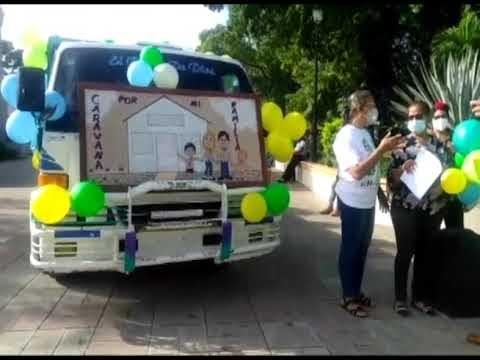 """La iglesia Católica de Las Matas de Farfán realizó un recorrió diversas calles de la ciudad en la denominada caminata """"Un paso por mi familia""""."""