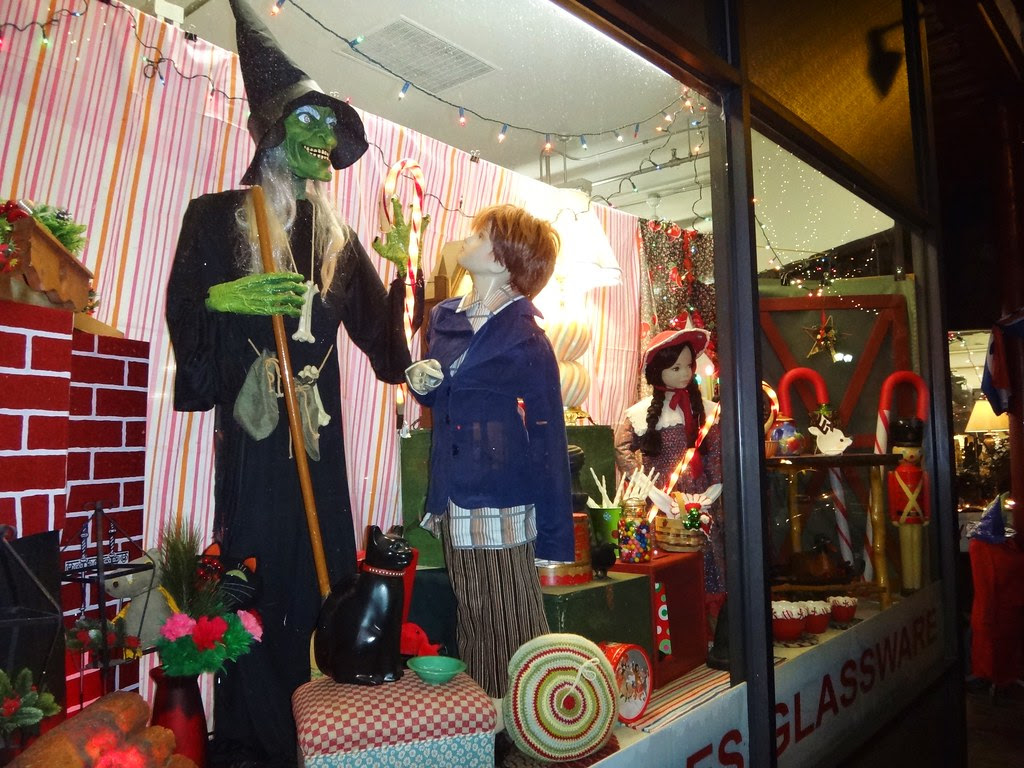 witch city consignment thrift salem massachusetts christmas window display creepmas