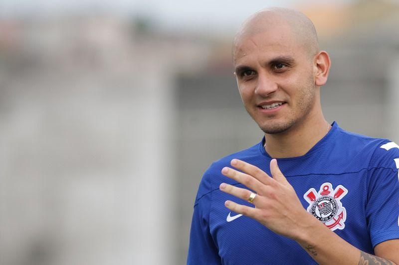 Fábio Santos disse que Sheik ainda será muito importante ao Corinthians - Rodrigo Gazzanel/Futura Press/Folhapress