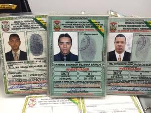 Falsificação distintivos 3 (Foto: Marina Alves/TV Verdes Mares)