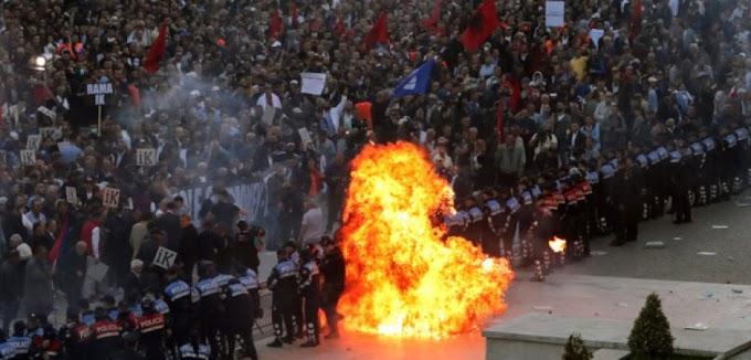 ΞΥΠΝΑΤΕ : ο Σέρβος ΥΠΑΜ προειδοποιεί τον Έλληνα ΥΠΑΜ με λόγια του ΑΓΙΟΥ ΠΑΙΣΙΟΥ « από την Αλβανία είναι η ΑΠΕΙΛΗ»