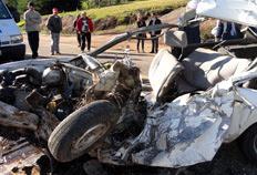 Acidente entre ônibus da Citral e Gol ocorreu por volta das 7h30min - Marco Dieder, divulgação
