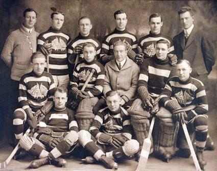 1914-15 Ottawa Senators team photo 1914-15 Ottawa Senators team.jpg