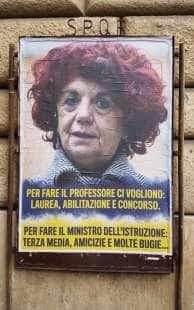 VALERIA FEDELI CARTELLONI IN GIRO PER ROMA